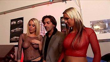 यूरो गधा कमबख्त नंगा नाच तीन वेश्याओं, दो डिक्स