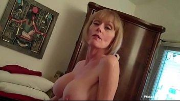 सेक्स के लिए हॉर्नी आमेचर ग्रॉनी