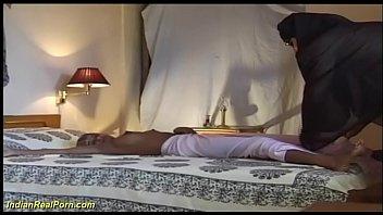 युवा बस्टी इंडियन टीन बड़ा कॉक सेक्स